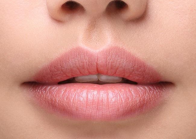 Exfoliante labial casero para tener una boca más atractiva y labios carnosos