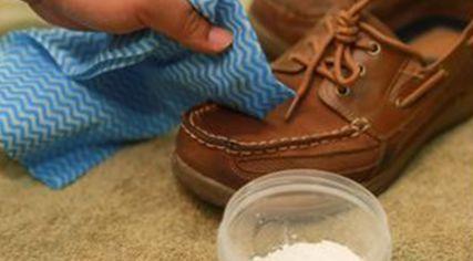 Quitar manchas de aceite en zapatos