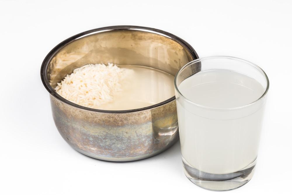 agua de arroz sartén