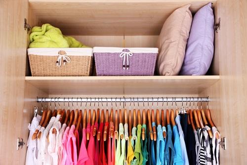 eliminar los malos olores en el armario