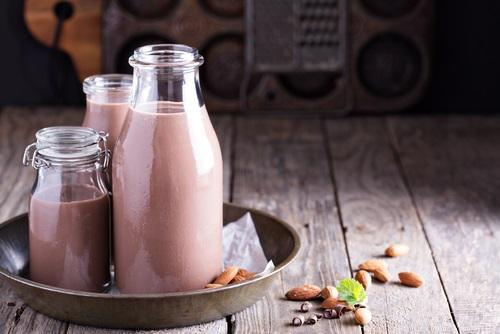 leche de almendras con chocolate