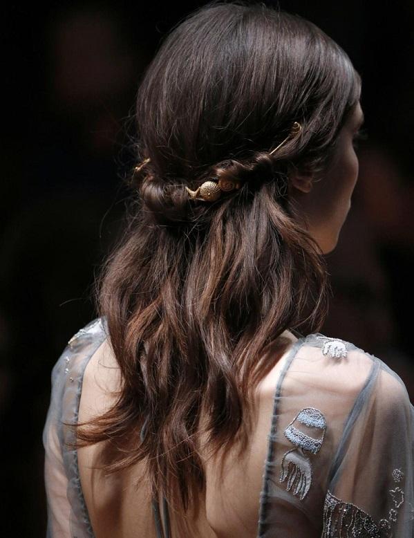 peinado semirecogido para long bob