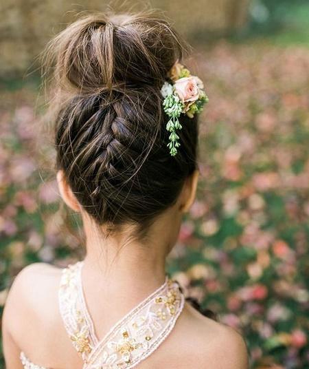 peinados para boda moño alto con trenza
