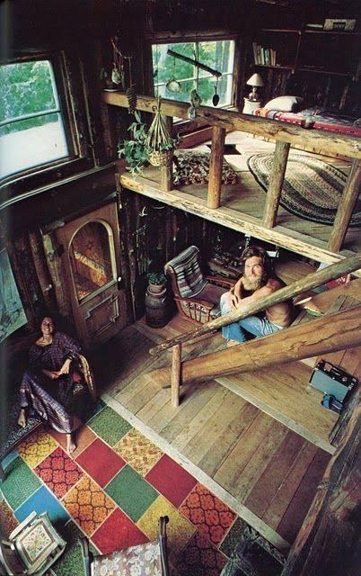 el interior de una cabaña con estio rustico