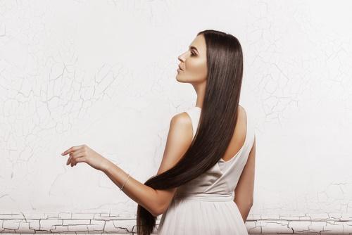 pelo largo en símbolos de los sueños
