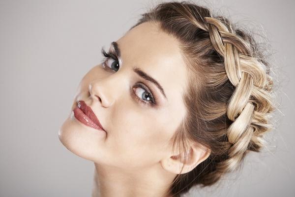 Peinados para bodas ideales para invitadas - Peinados elegantes para una boda ...