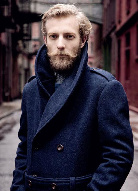 Barba hipster donde se destacan los bigotes estilo Dali