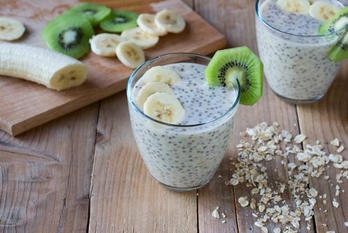 desayuno saludable con semillas de chia y avena