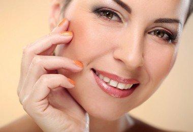 Mujer madura piel hermos rostro cara