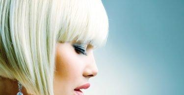 cabello gris la nueva tendencia del verano