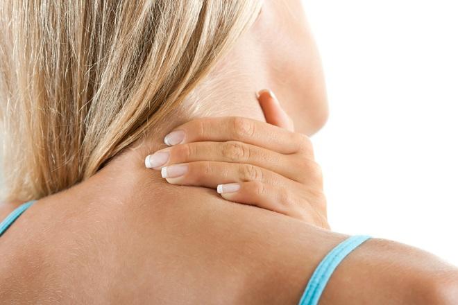 como aliviar el dolor de torticolis