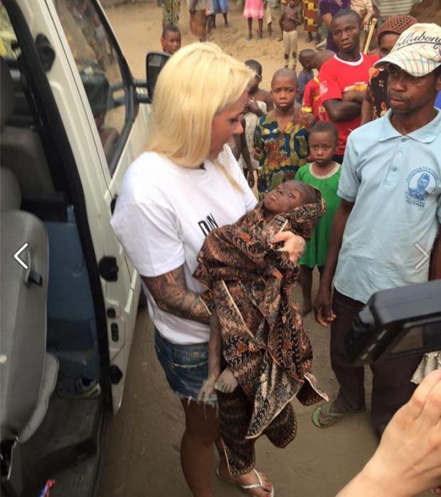 rescate de niño africano