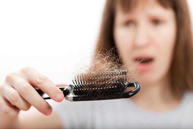 Cómo tratar la caída del cabello