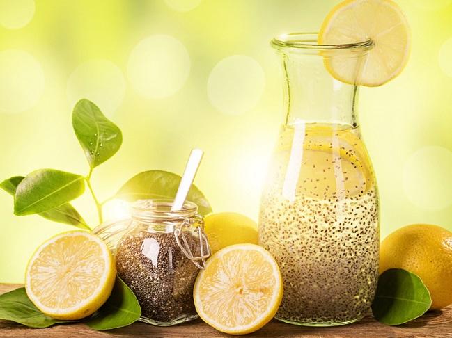 bebida de chía y limón para eliminar grasas acumuladas