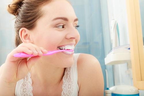 la higiene bucal importante para prevenir el mal aliento