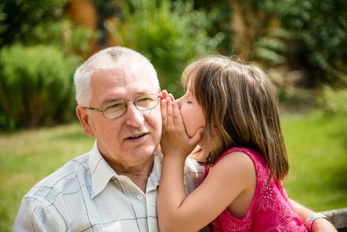 Nieta confidente de su abuelo