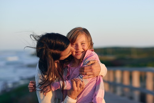 Muestra de afecto madre e hija