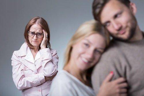 Síndrome de la mamá gallina