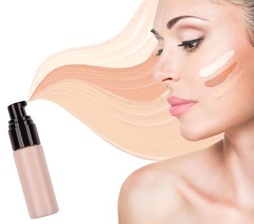 base natural de maquillaje para mujeres que buscan un tono más natural de piel