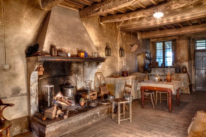 Una cocina rústica clásica y muy campestre.