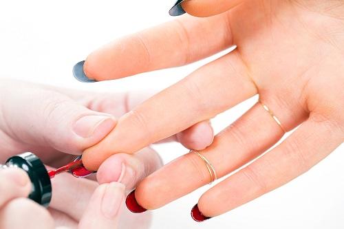 flip manicure y la tendencia para uñas