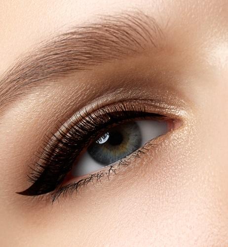 maquillaje para los ojos con un look más glam
