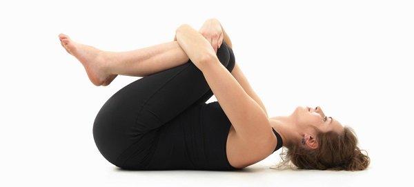 Yoga postura para tirar gases Pavanmuktasana