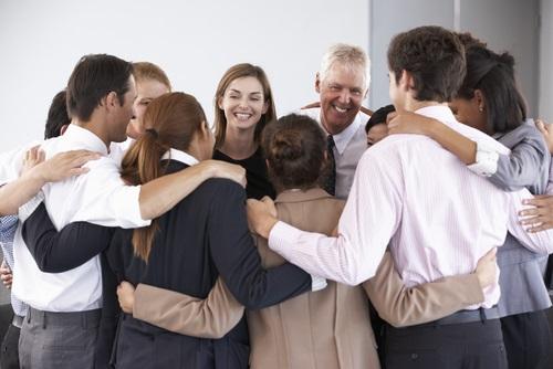 abrazos de grupo
