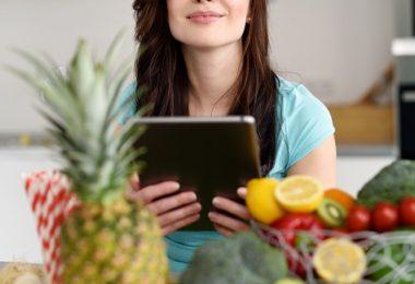 mujer frutas verduras dieta