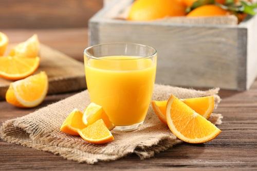 Batido de naranja y aceite de linaza, una opción de batidos energéticos para comenzar el día