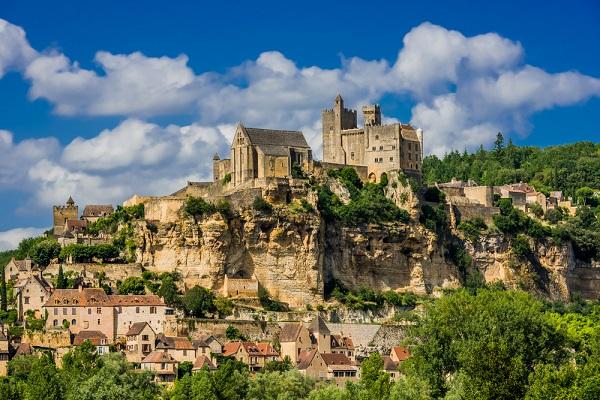 Beynac-et-Cazenac Francia pueblos mágicos de Europa