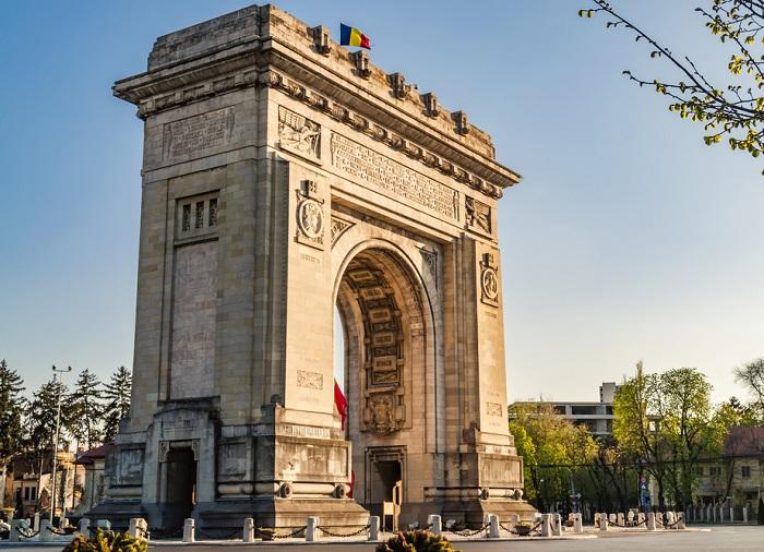 Arco del triunfo en Bucarest, Rumania.
