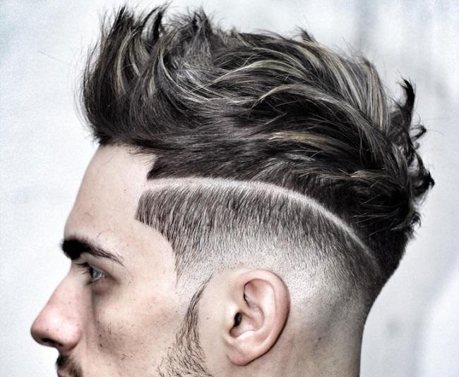 un corte de pelo con linea al costado bien marcada