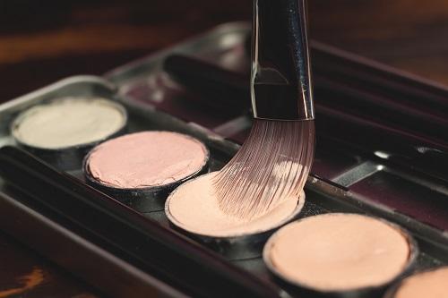 diferentes tonos del maquillaje nude