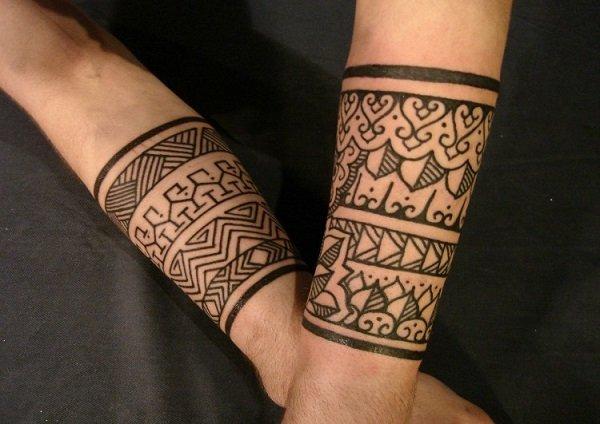 20 Tatuajes Para Hombres Con Disenos Originales - Tatuajes-de-brazaletes-para-el-brazo