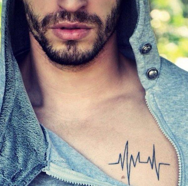 tatuajes para hombres con las señales del latido del corazón tatuado en el pecho