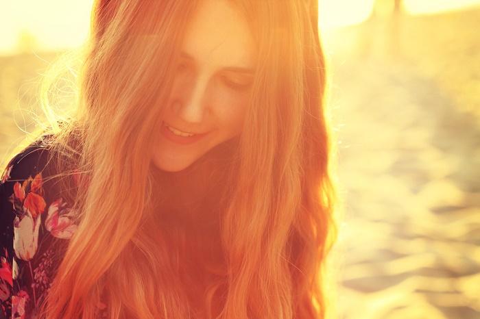 buenas-vibras-positivismo-mujer-alegre