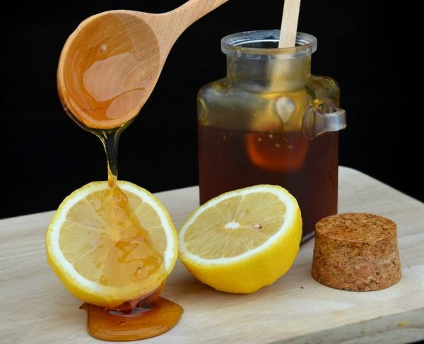 miel-y-limon-eliminar-el-vello-de-la-axila