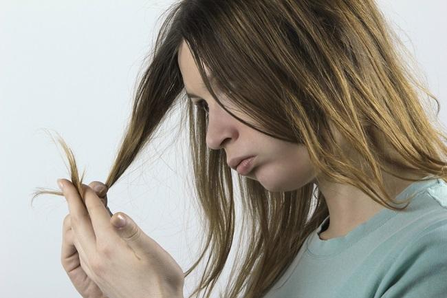 Daños en el cabello por desequilibrio de las hormonas