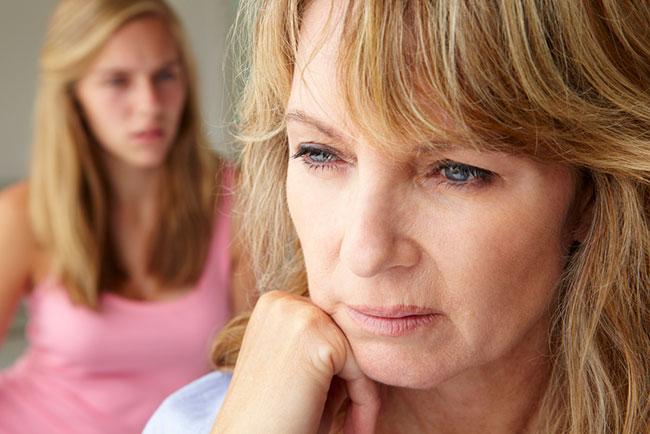 Una mujer con problemas hormonales