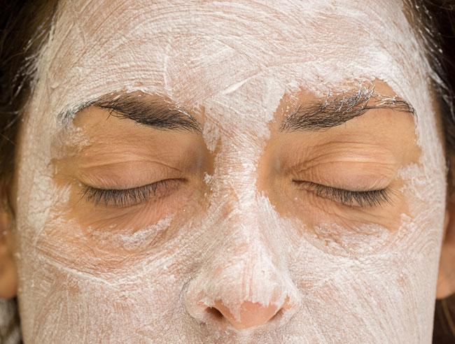mascarilla con limón para aclarar la piel