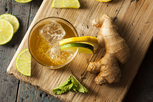 Preparación de un té de jengibre con limón para aprovechar los efectos de la termogénesis
