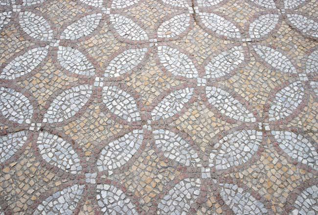 Técnica efectiva para limpiar pisos de granito