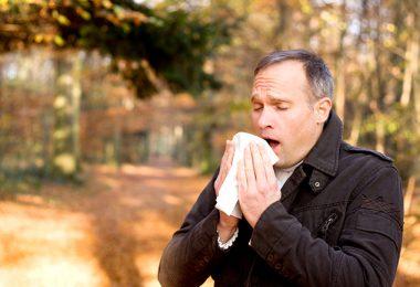 Hombre que padece broncoespasmos