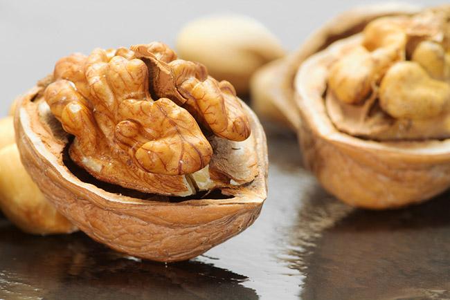 Nueces y frutos secos ricos en acidos omega 3 para tratar la depresión