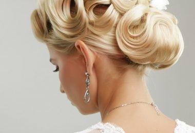 Un peinado de novia con ondas y estilo vintage