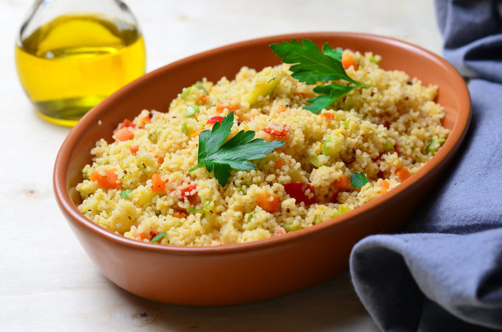 Garbanzos con acelga y cuscus, una de las recetas veganas más recomendables