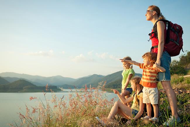 vacacionar en las montañas con la familia