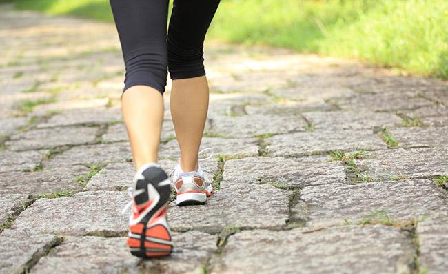 Como bajar de peso caminando y aumentando la capacidad de quemar calorias