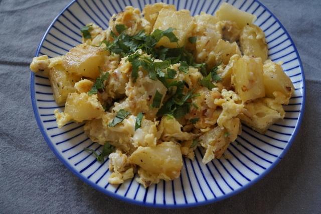 yuca frita servida en un plato